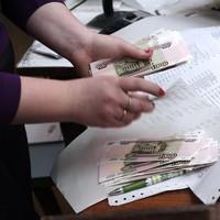 Получить пособие по беременности и родам и заработную плату