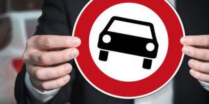 Запрет на использование личного транспорта в служебных целях законен?